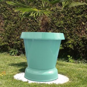 pot fe fleur pelouse basse bleu pastel